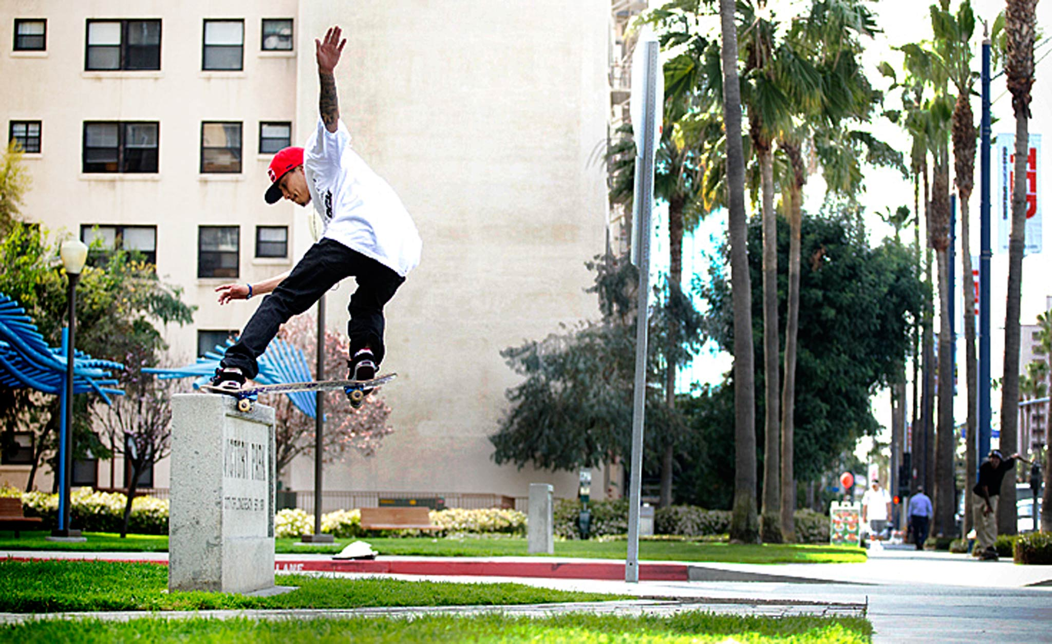 Lenny Rivas, Frontside Nose Slide