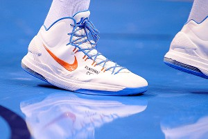 Oklahoma City's Kevin Durant honored the victims of the Connecticut school shooting by writing NEWTOWN CT on the basketball shoes he wore for Friday night's game.