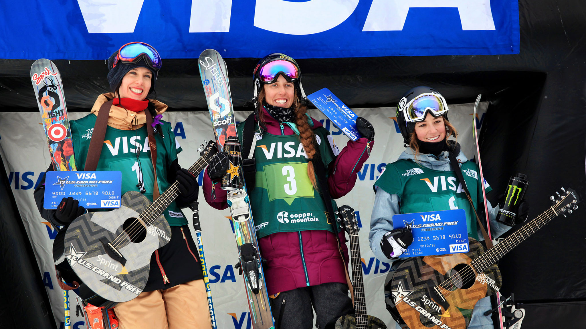Maddie Bowman took the top spot for women's halfpipe, followed by Roz G and Brita Sigourney.