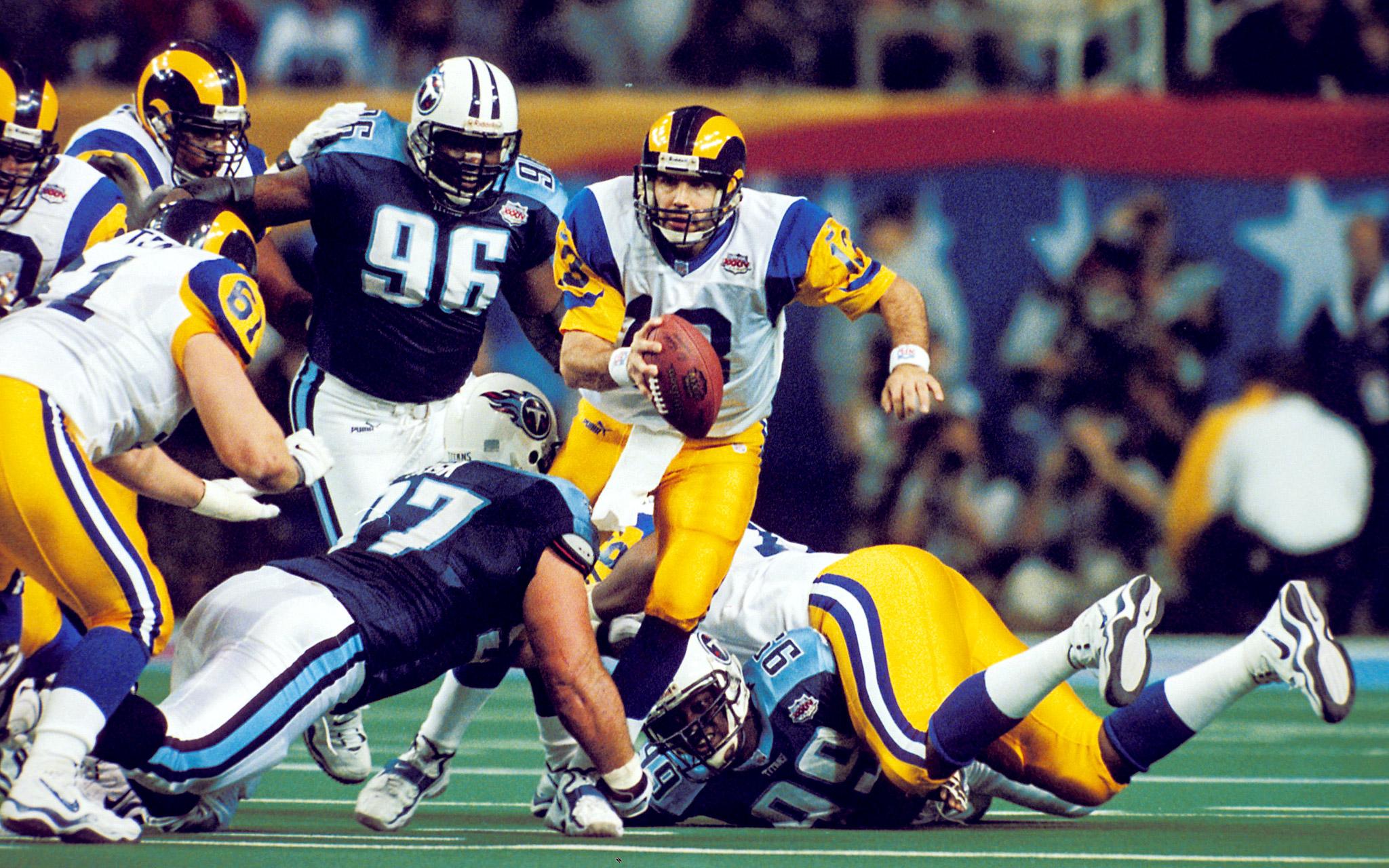 Kurt Warner - Super Bowl XXXIV (24/45, 414 yards, 2 TDs)