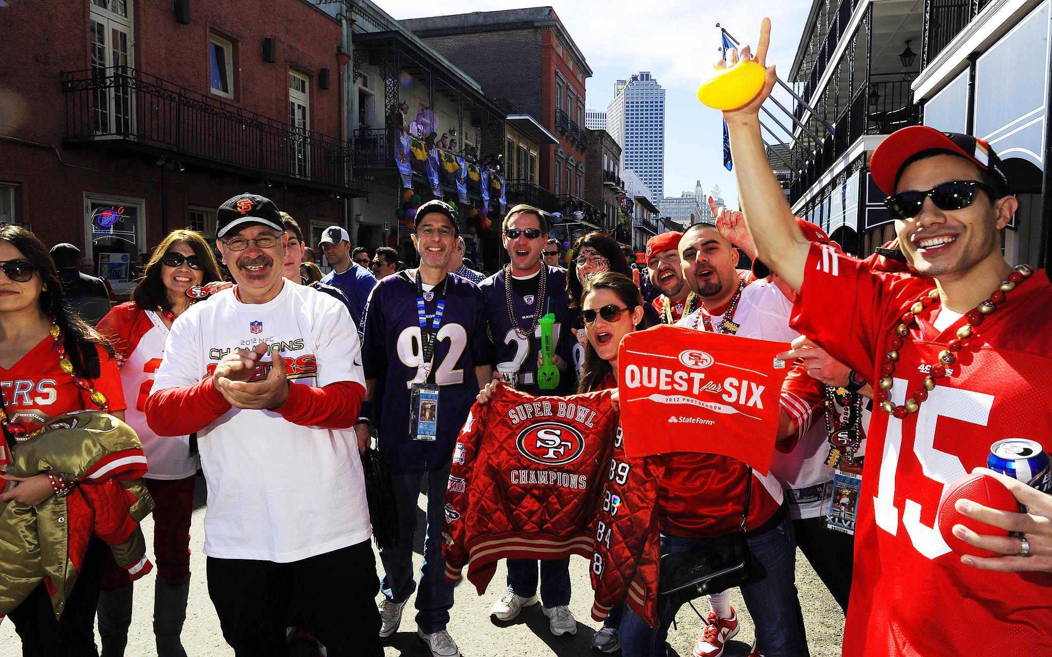 Fans Bourbon Street