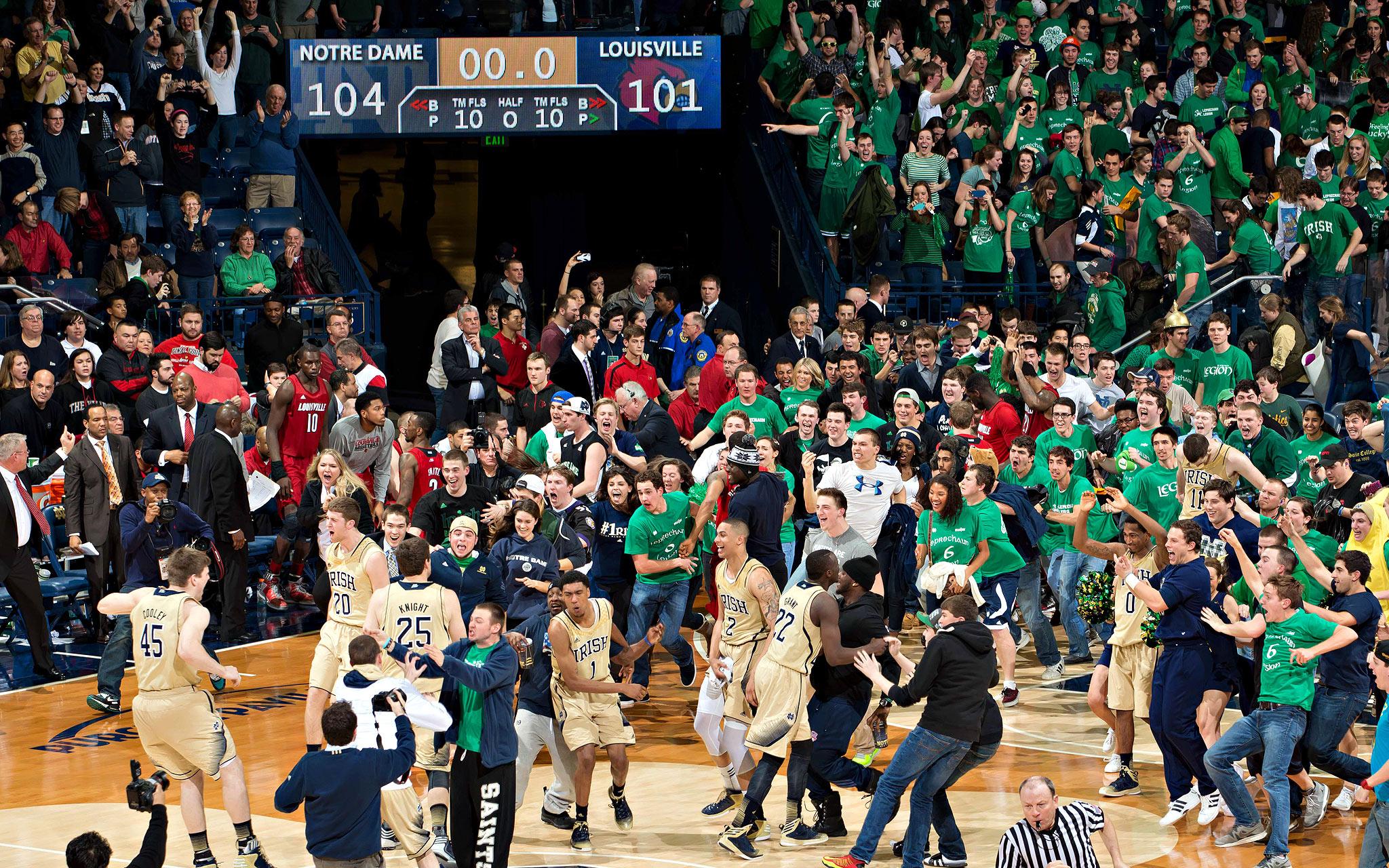 Notre Dame students storm court