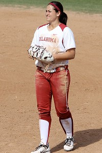 Oklahoma's Lauren Chamberlain has been an offensive juggernaut for the top-seeded Sooners, leading a stacked trio that has more home runs that 260 D-I teams.