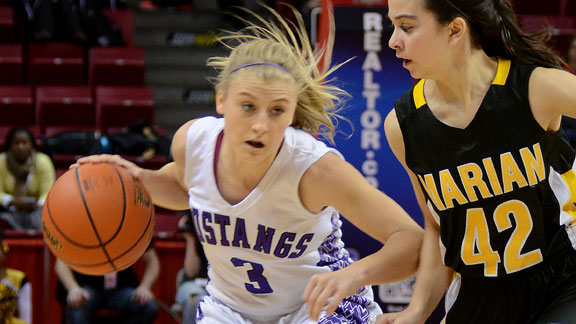 Jackie Kemph averaged 20 points, 7.6 assists, and 3.3 steals for Rolling Meadows (Ill.) as a junior.