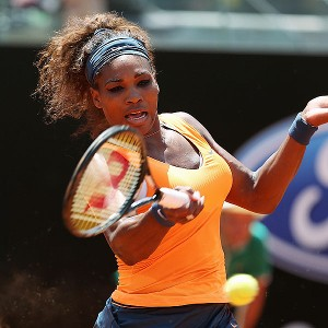 Serena Williams extended her career-best winning streak to 23 matches Saturday, defeating Simona Halep in the semifinals of the Italian Open.