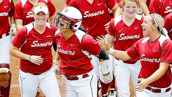 The players were excited and the fans chanted Lauren Chamberlain's name after this big home run.