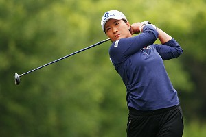 Se Ri Pak inspired a generation of Korean players -- and isn't doing so bad herself with a 2-under-par 70.