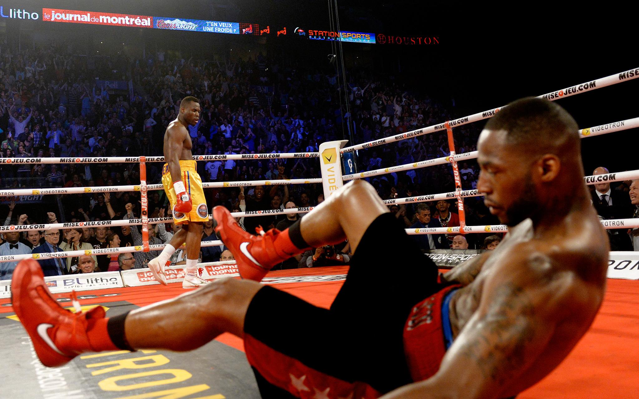 Adonis Stevenson knocks out Chad Dawson