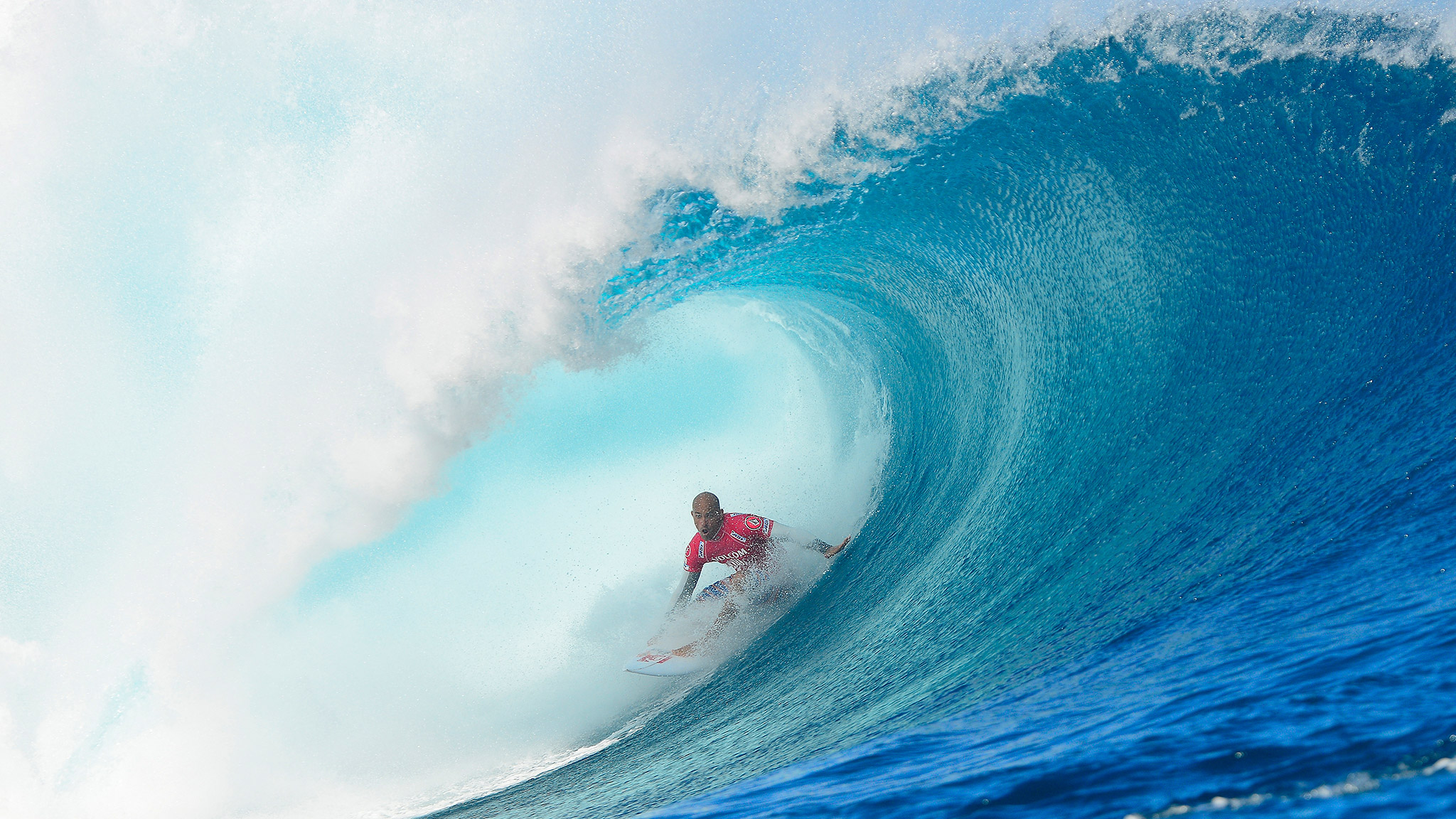 Kelly Slater won his second straight Volcom Fiji Pro by knocking off Mick Fanning in the final heat, which included a perfect 10.
