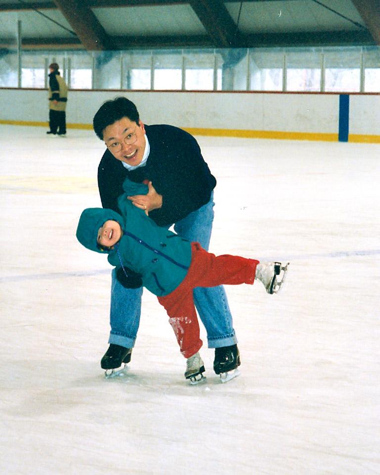 Maia Shibutani, world medalist in ice dancing
