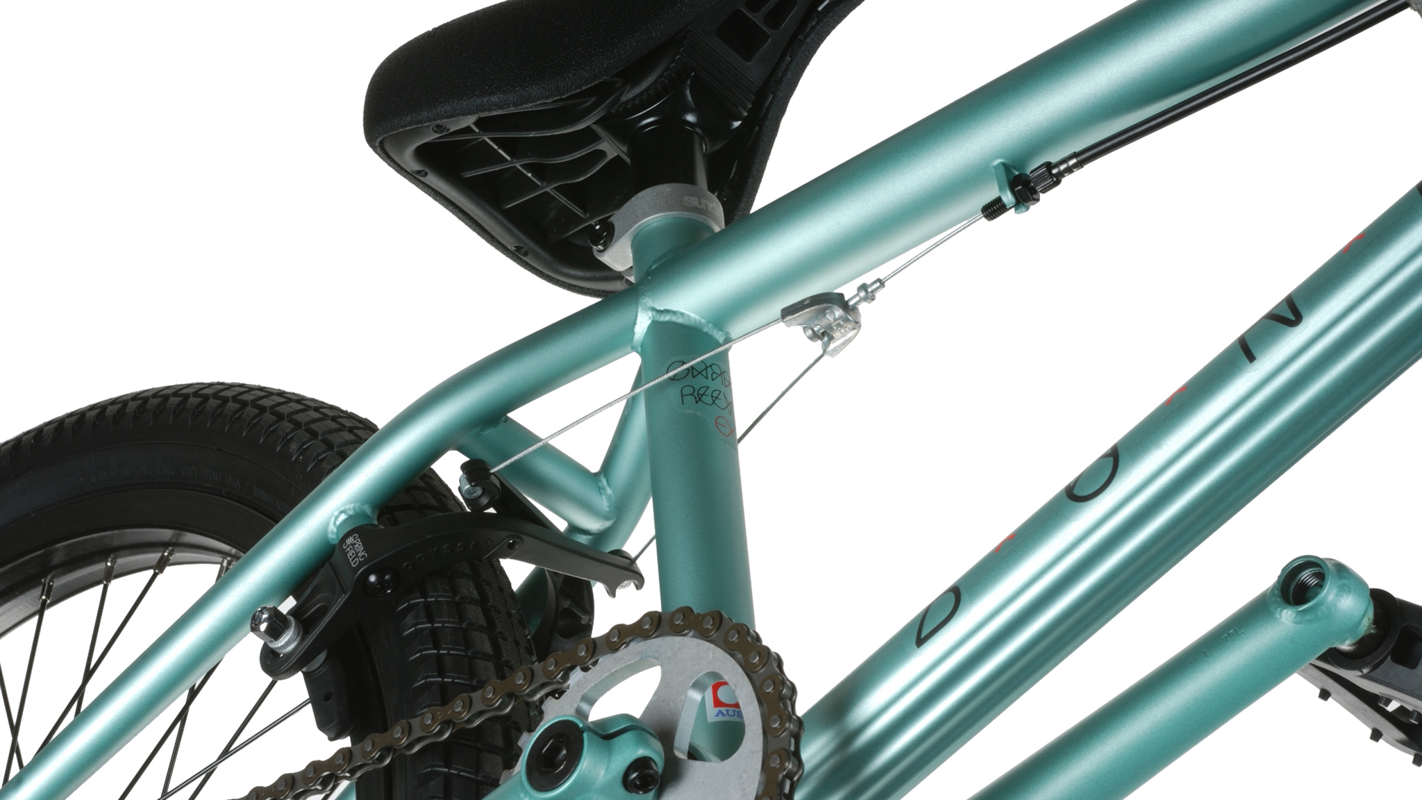 Odyssey BMX's new Adjustable Linear Quik Slic Kable eliminates the need for tools during installation.