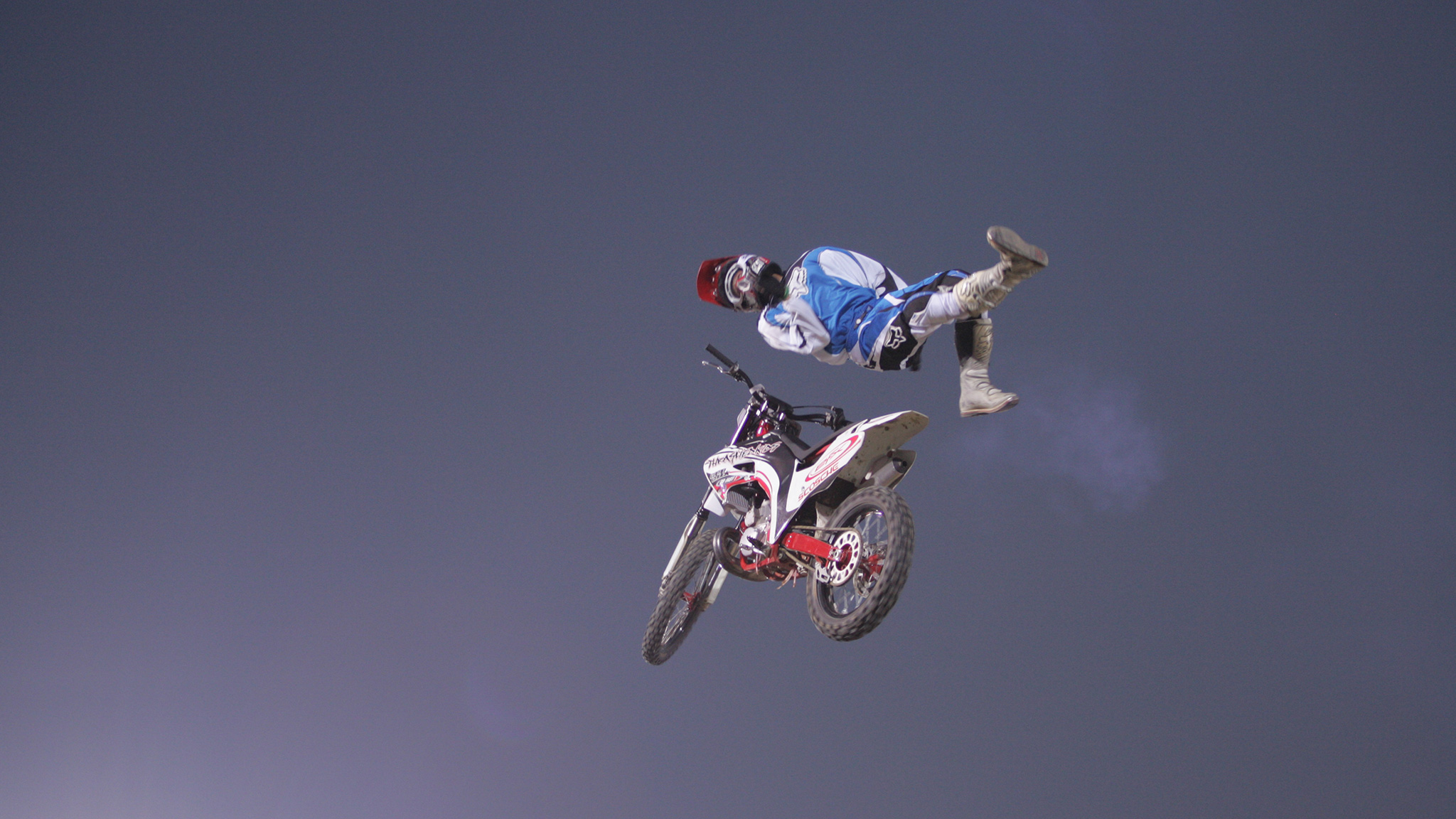 Chuck Carothers body varial in Moto X Best Trick