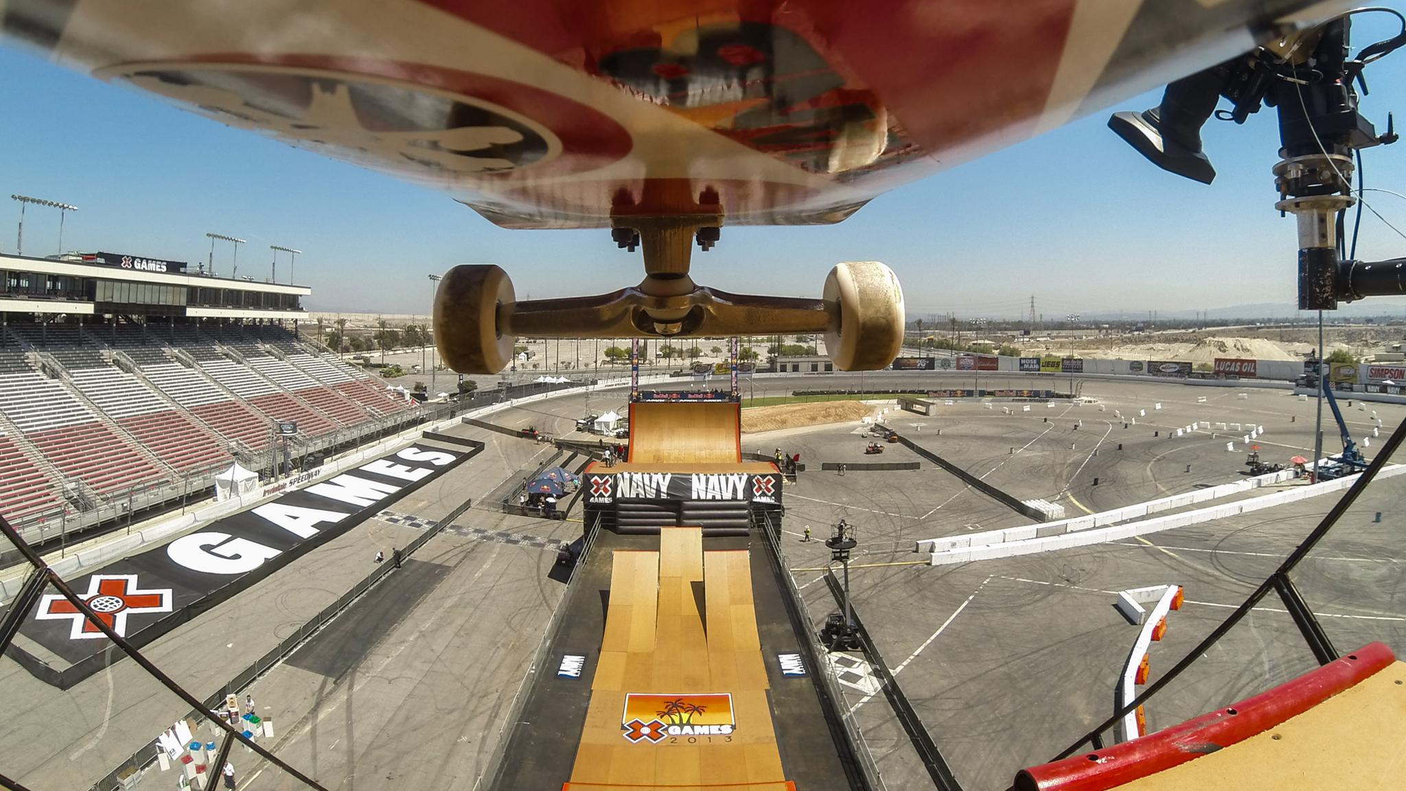 Eaton: Skateboard Big Air practice