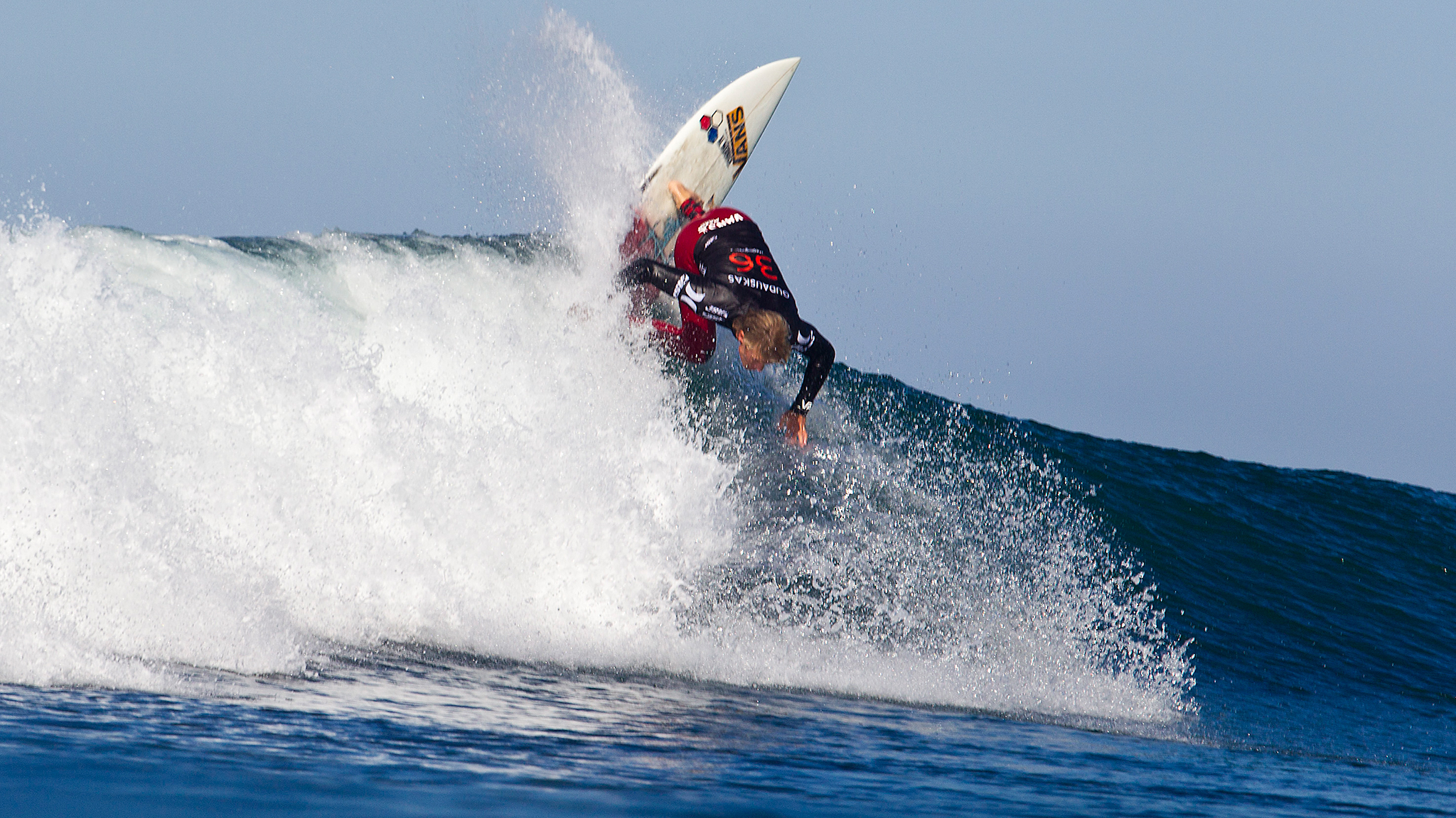 Pat Gudauskas made it through his Round 2 heat against Ace Buchan, only to face top-seed Kelly Slater in Round 3.