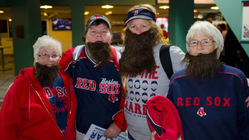 The Boston Red Sox beard craze is catching on with fans, and it's an easy Halloween costume to pull off.