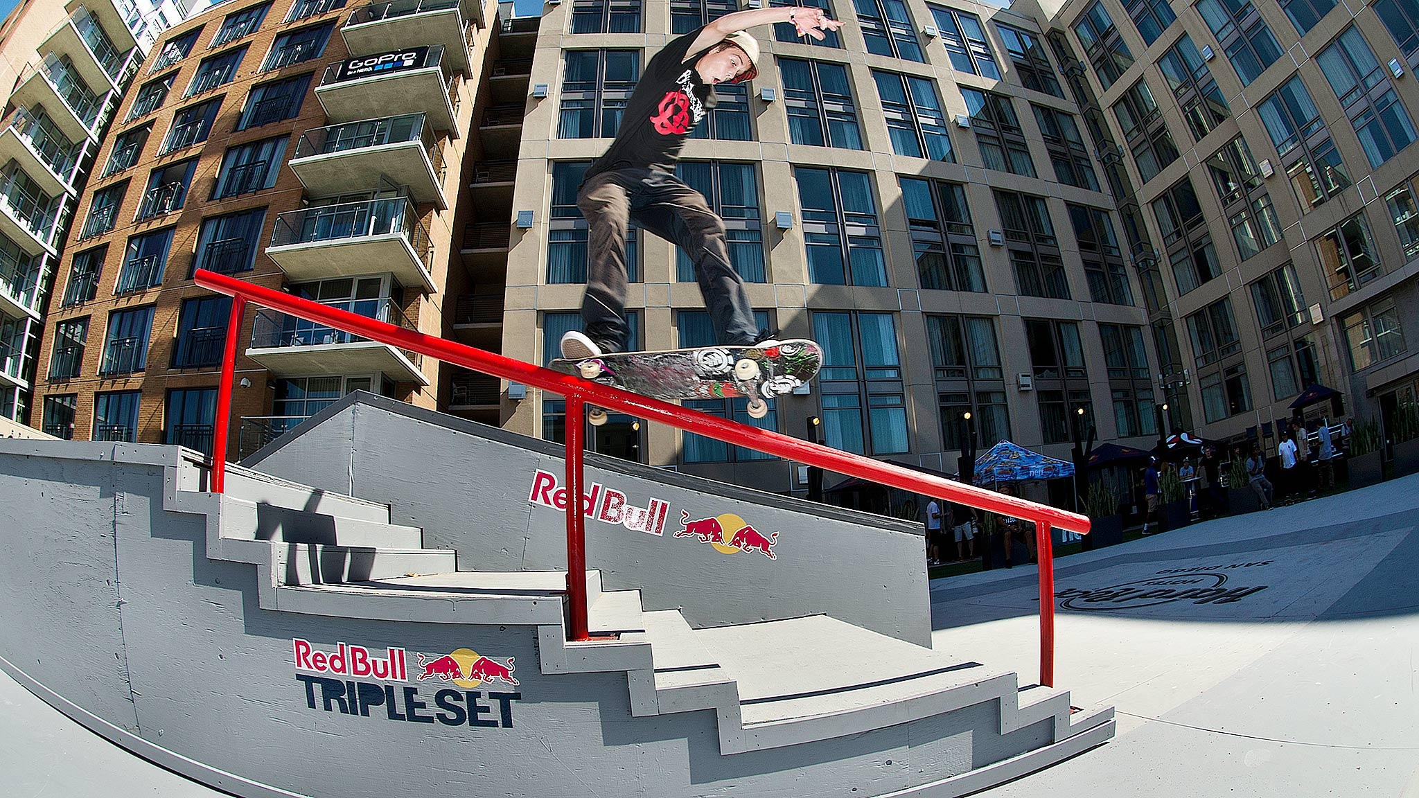 Red Bull Triple Set
