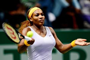 Serena Williams needed three sets to defeat Jelena Jankovic in the semifinals of the WTA Championships on Saturday.
