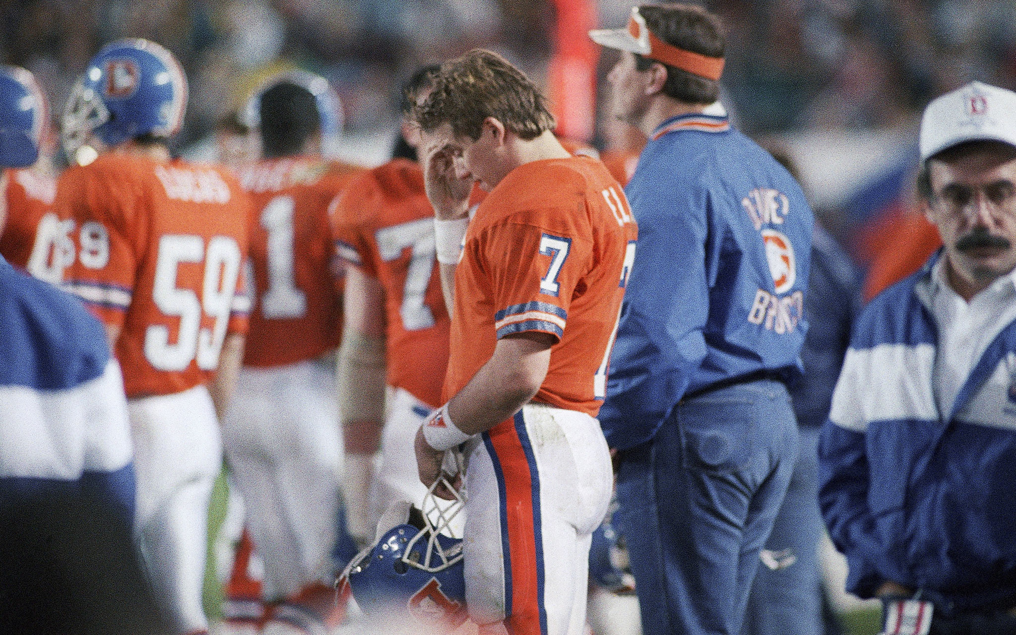 john elway helicopter with Most Career Interceptions Super Bowl Quarterback Super Bowl Facts on Page2 also 79563572 as well Us Nfl Broncos Manning Deal IdUSBRE82J13120120320 additionally Most Career Interceptions Super Bowl Quarterback Super Bowl Facts also Game detail.