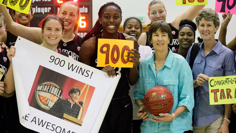 Nine hundred is a big number and Stanford made sure to honor Tara VanDerveer in style.