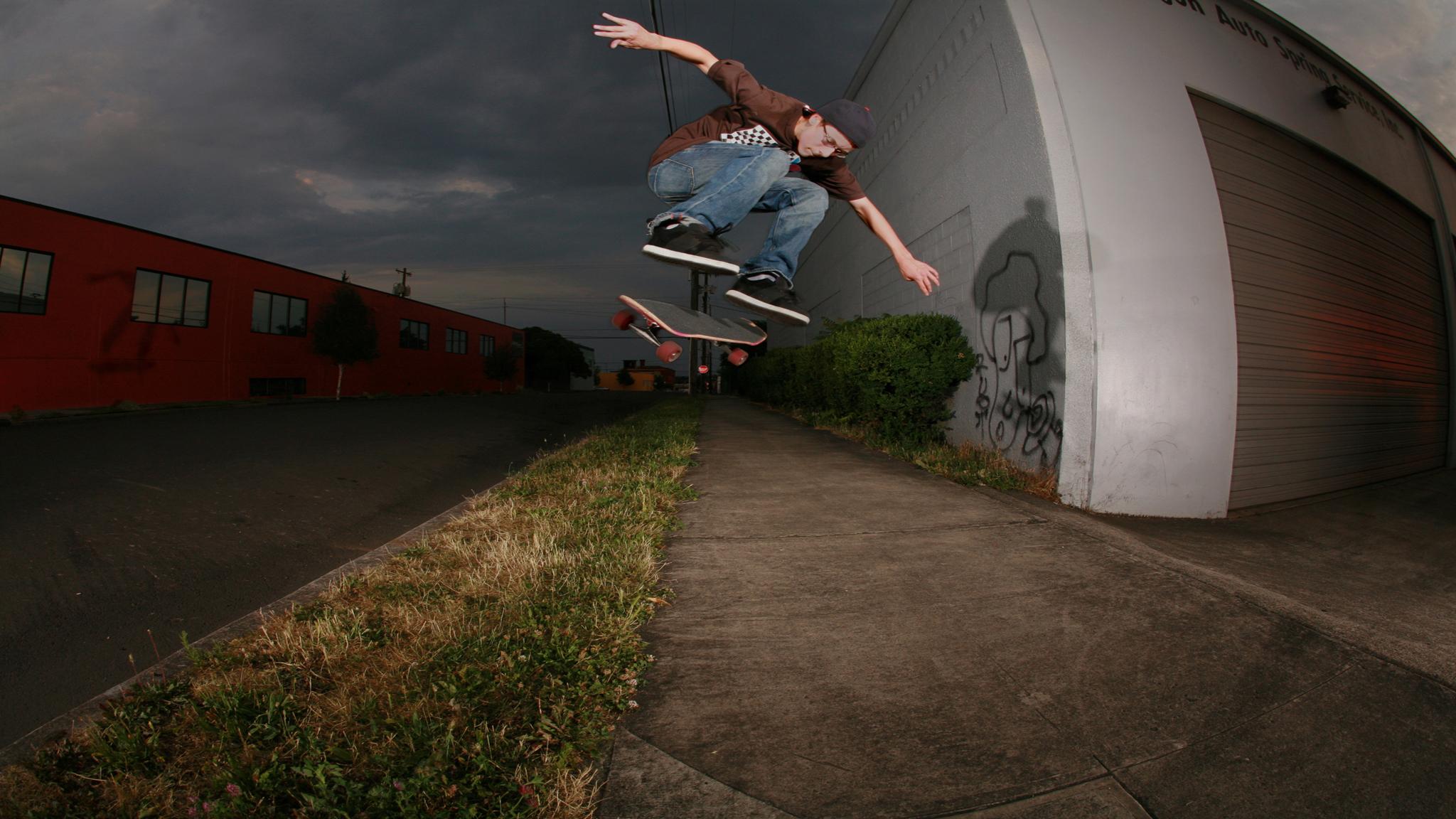 Tyler Bledsoe, B/S flip
