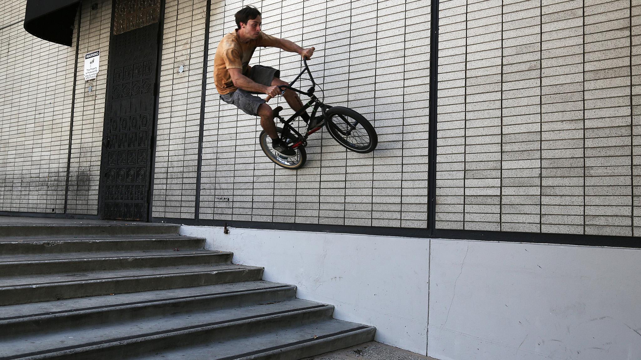 Random wall ride