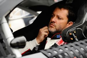 Tony Stewart has decided to sit out Sunday's NASCAR race at Watkins Glen after hitting and killing sprint car driver Kevin Ward Jr. in a race Saturday night.