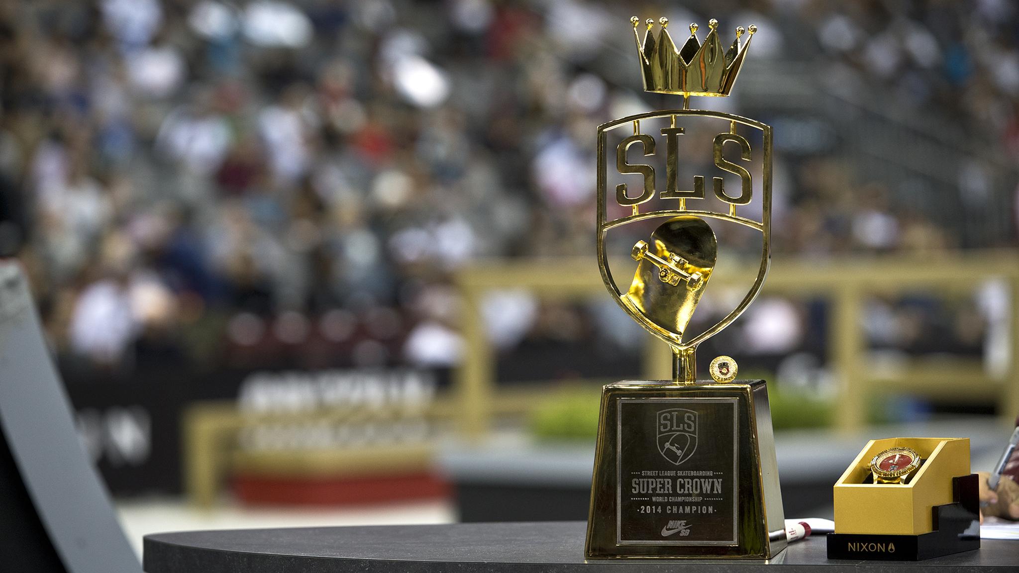 Super Crown trophy