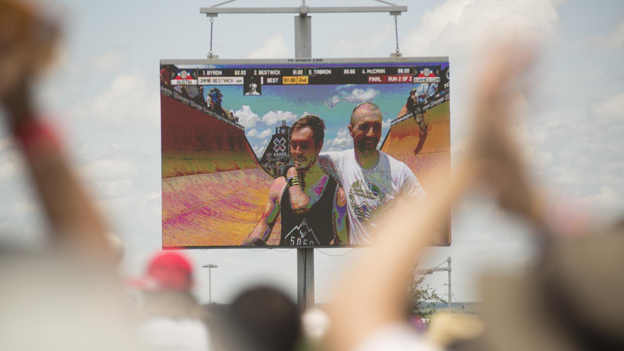 Vince Byron wins BMX Vert
