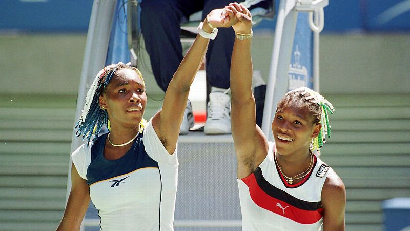 1998 Australian Open second round, Venus wins 7-6 (4), 6-1