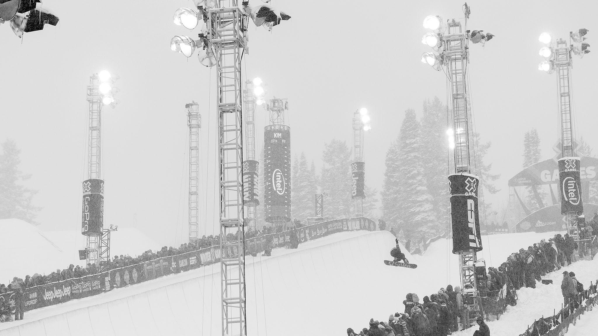 Chloe Kim wins Women's Snowboard SuperPipe