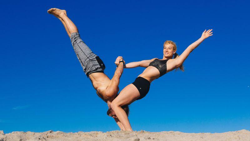 Jessie Graff (stunt with friend)