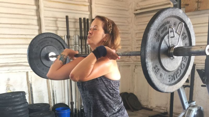 Deb Schelebo: They were total strangers, but they had gone through the same thing I was going through and had their chests cracked open. It was amazing to know they were CrossFitters like me and they were all able to go back to it.