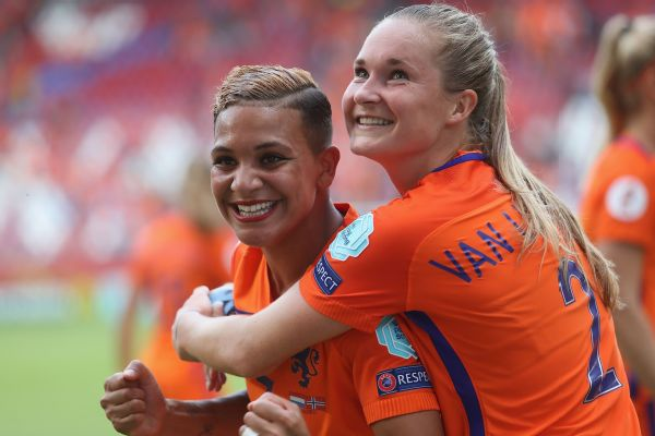 Shanice van de Sanden and Desiree van Lunteren