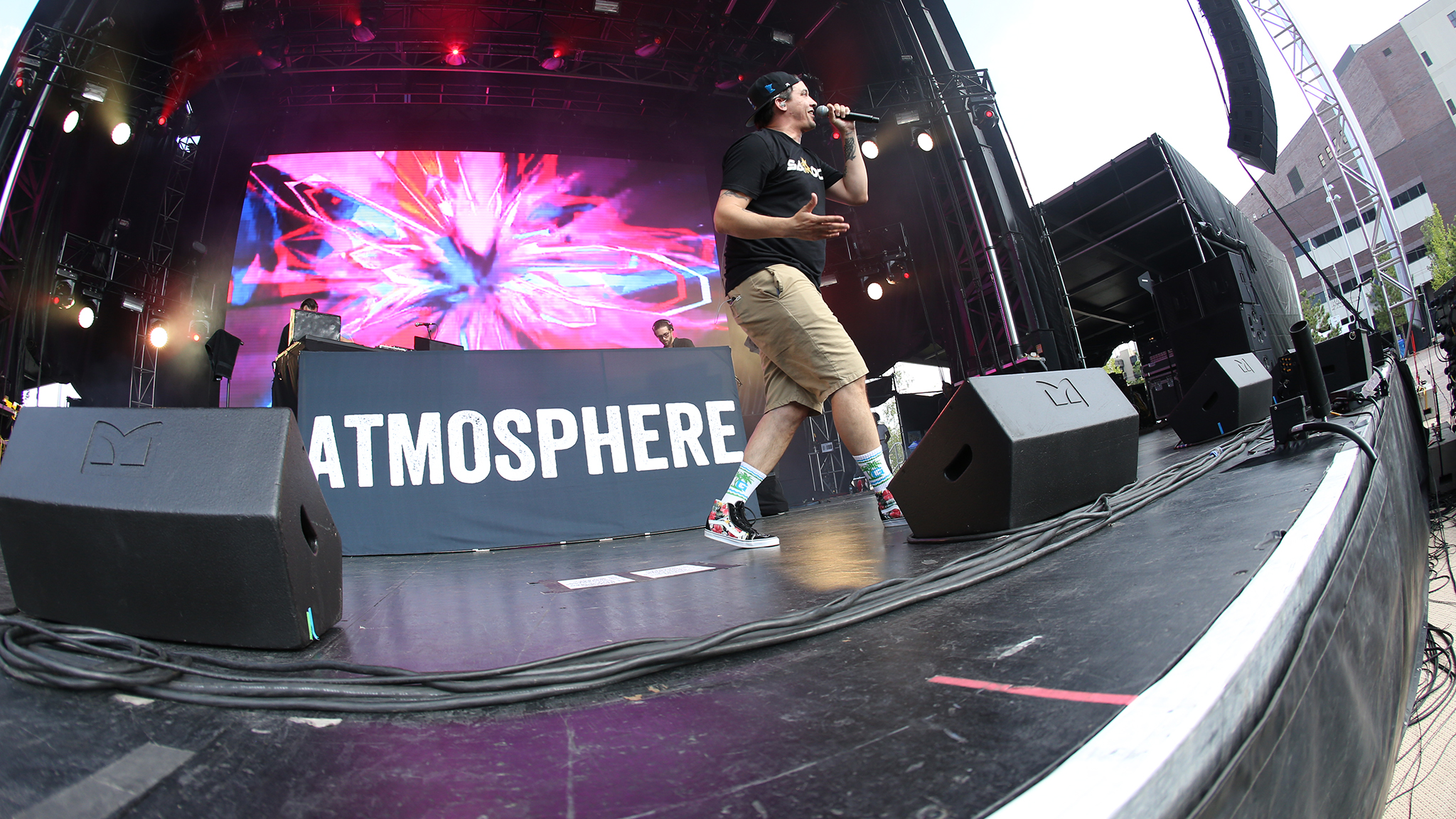 Atmosphere closes it out