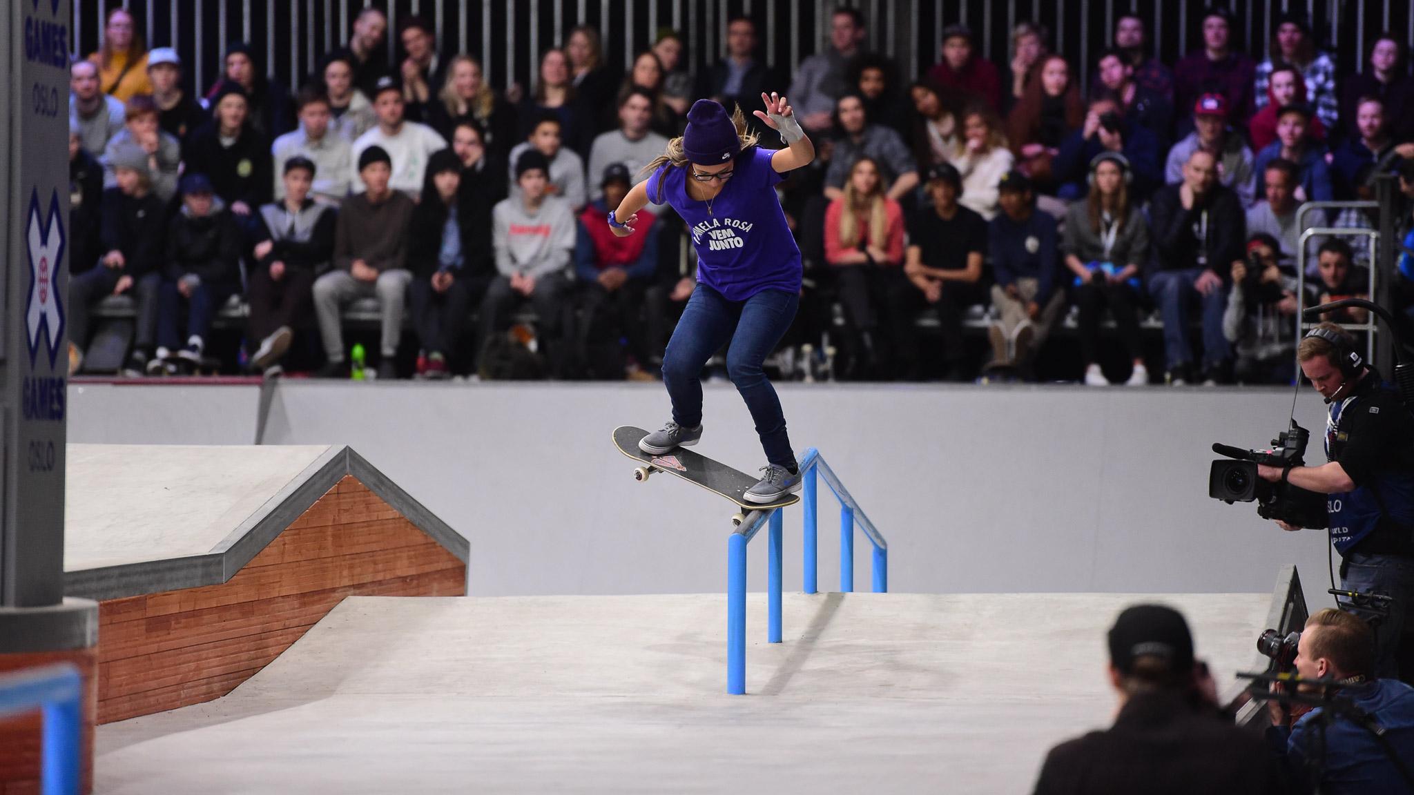 Women's Skateboard Street