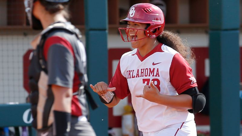 Freshman Jocelyn Alo hit two homers Saturday for Oklahoma.