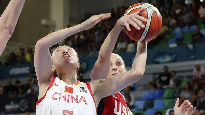 Diana Taurasi blocks Ting Shao's shot during Sunday's game.
