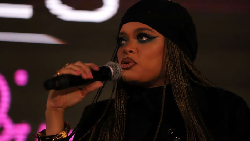 Grammy-nominated singer and songwriter Andra Day talks about her inspirations at the 2018 espnW: Women  Sports Summit.