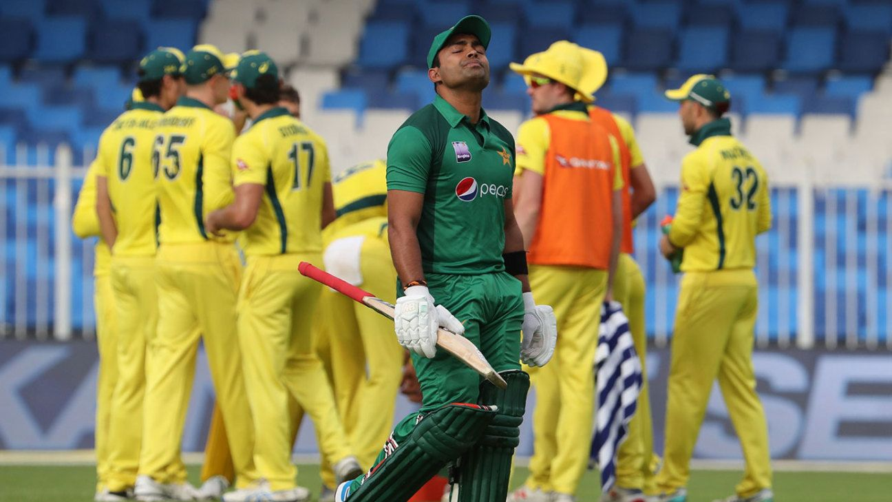 Umar Akmal fined for breaking team curfew