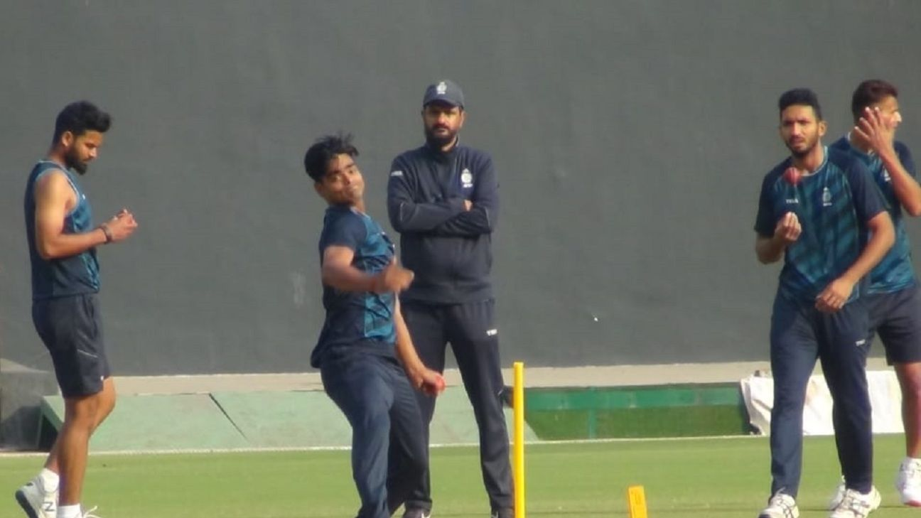 ravi-yadav-became-the-first-bowler-to-pick-up-a-hat-trick-in-his-first-over के लिए इमेज परिणाम