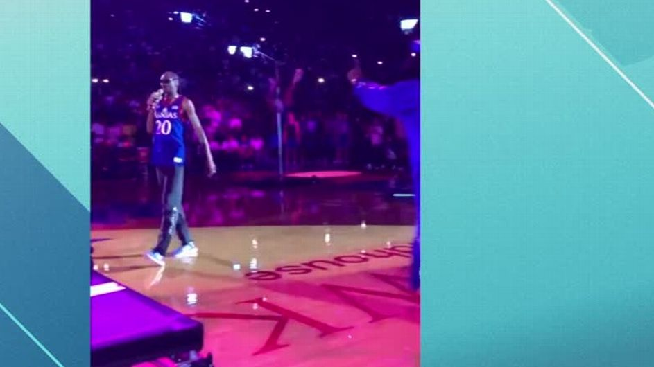 Kansas apologizes after Snoop Dogg's show at 'Late Night in the Phog'