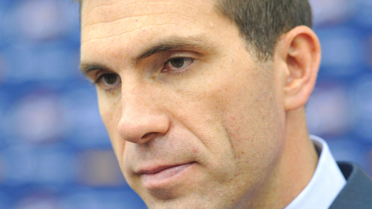 Cavaliers fire GM Chris Grant