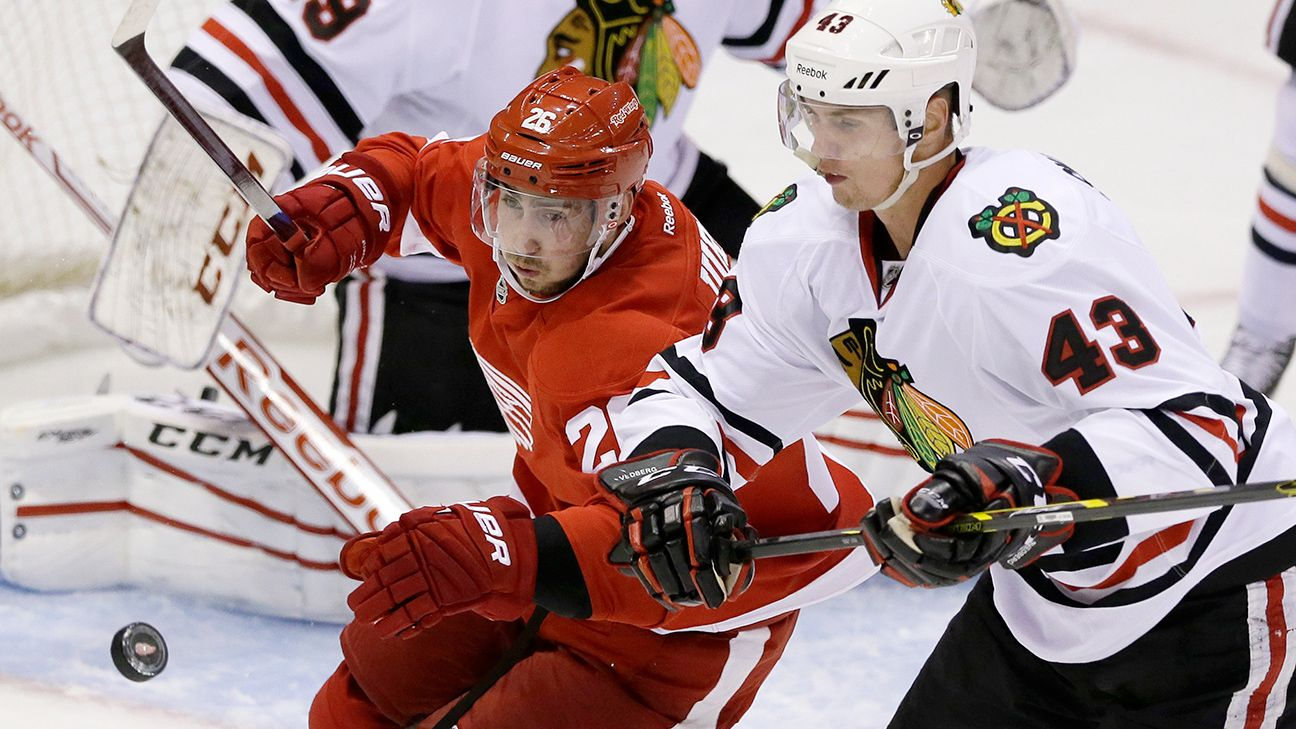 Chicago Blackhawks acquire Tomas Jurco in trade with Detroit Red Wings a3216b576