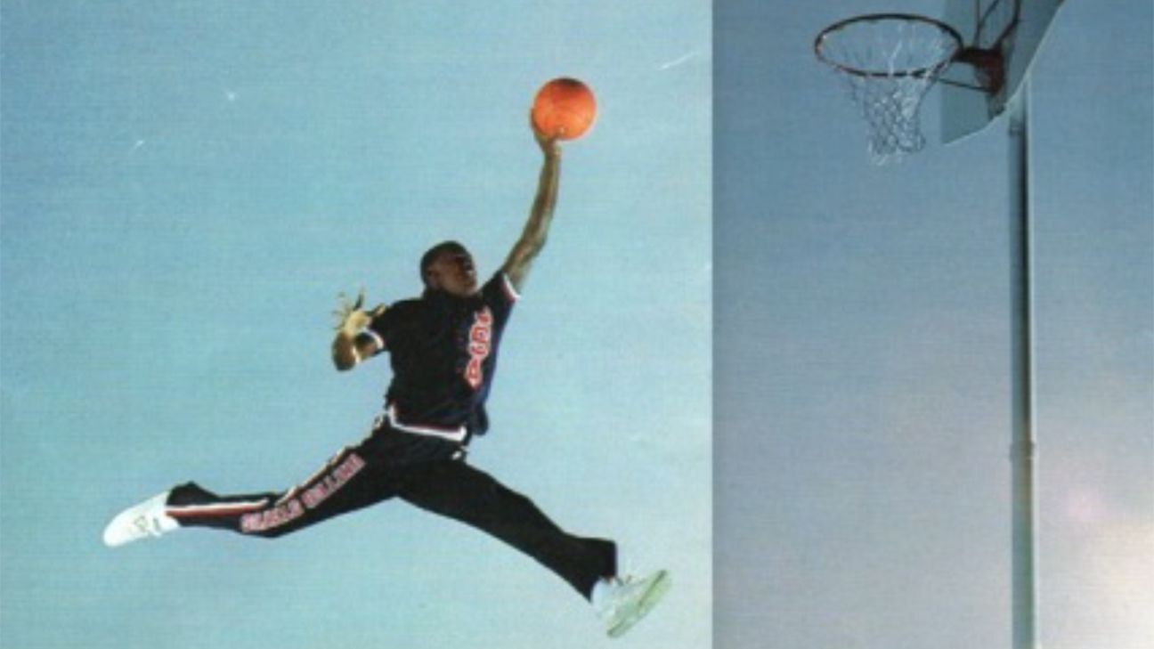 nouveau concept ecb4f 7aede Photographer sues Nike over Michael Jordan photo copyright