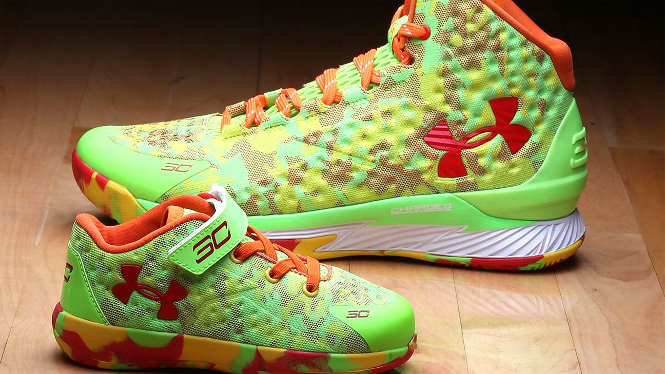 8e2ea2c149a6 Stephen Curry of Golden State Warriors has sneakers stolen