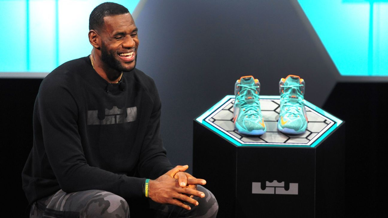 finest selection 1c29e 54da8 What LeBron James s move to Los Angeles means for his Nike sneaker line