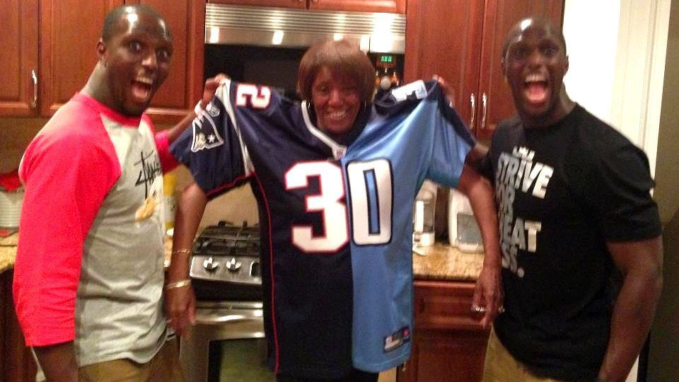 the latest c81ae 0de6e The best story of Patriots-Titans week? No doubt, it's 'Mama ...