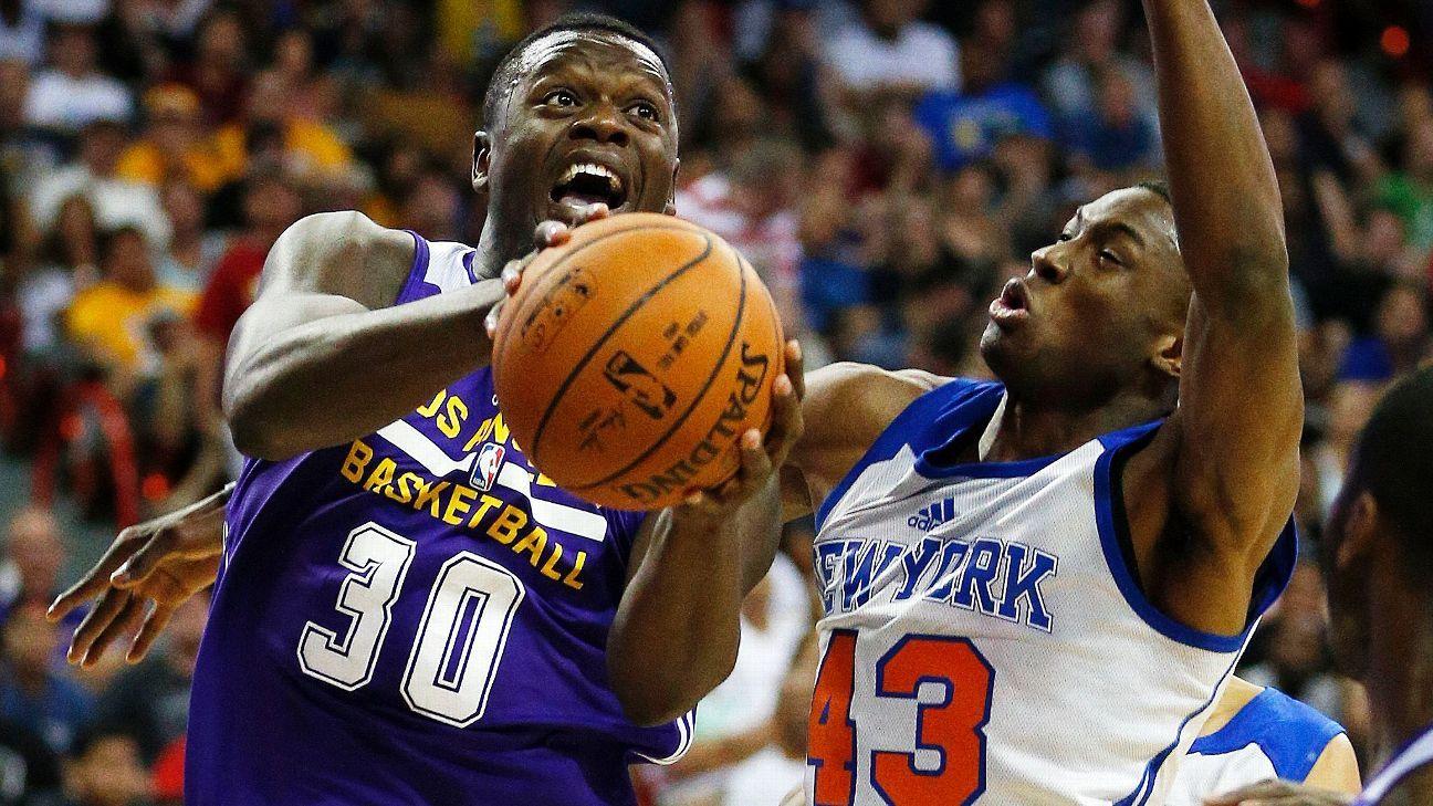 New York Knicks: Sources: New York Knicks To Sign Thanasis Antetokounmpo