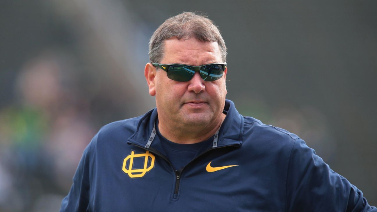 Brady Hoke, who went 13-12 as the head coach at San Diego State in 2009 and '10, is returning to the Aztecs as the defensive line coach on Rocky Long's staff.