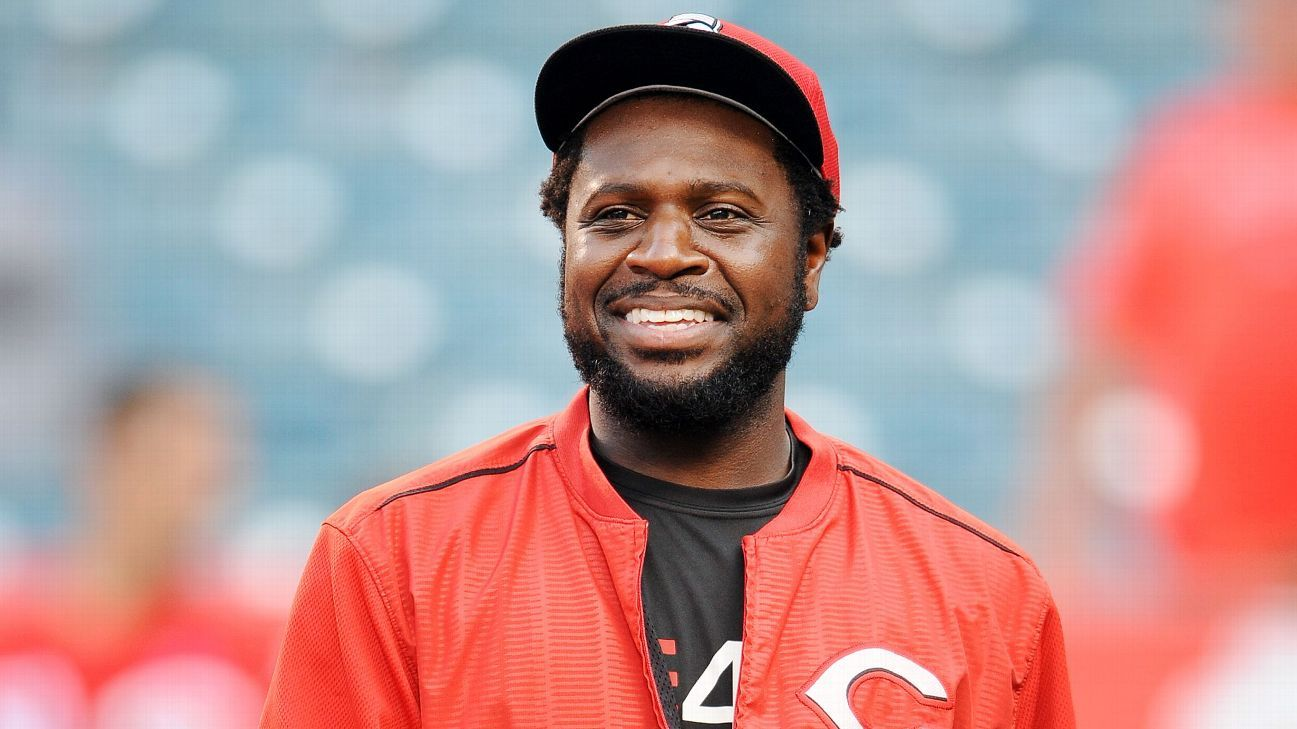 56274dab4 Cincinnati Reds agree to trade Brandon Phillips to Atlanta Braves